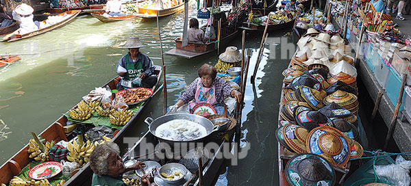 001 floating market