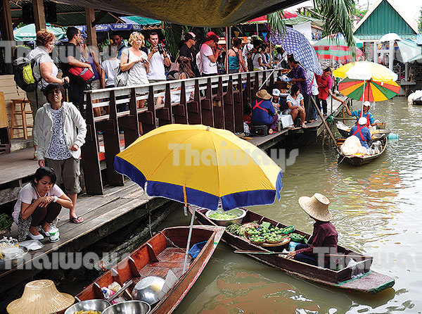 002 floating market