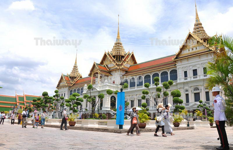 Click to enlarge image tw-grand-palace-03.jpg