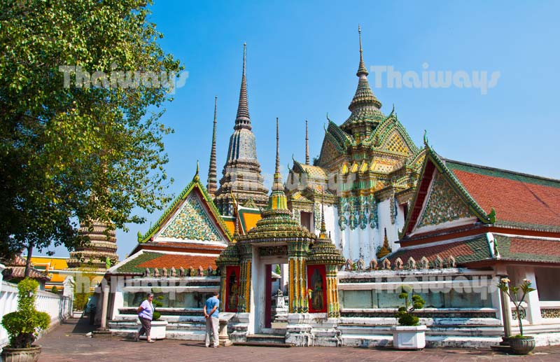 Click to enlarge image tw-wat-pho-01.jpg