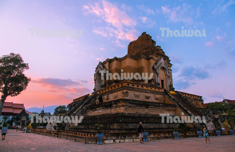 wat-chedi-luang-by-tw-02