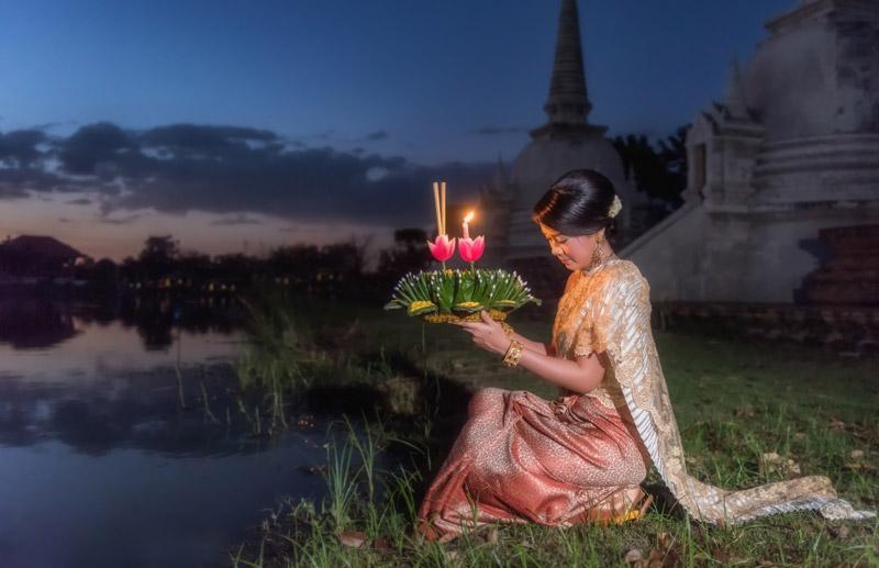loy-krathong-festival-by-123-tw-01
