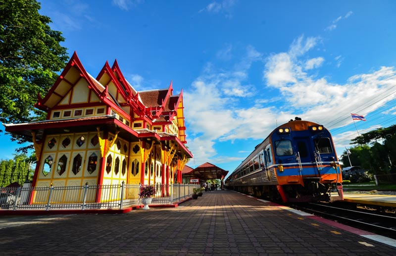 hua-hin-railway-station-by-123-tw-01