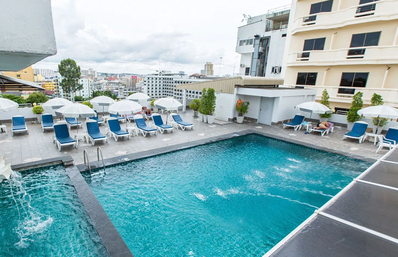 01-flipper-hotel