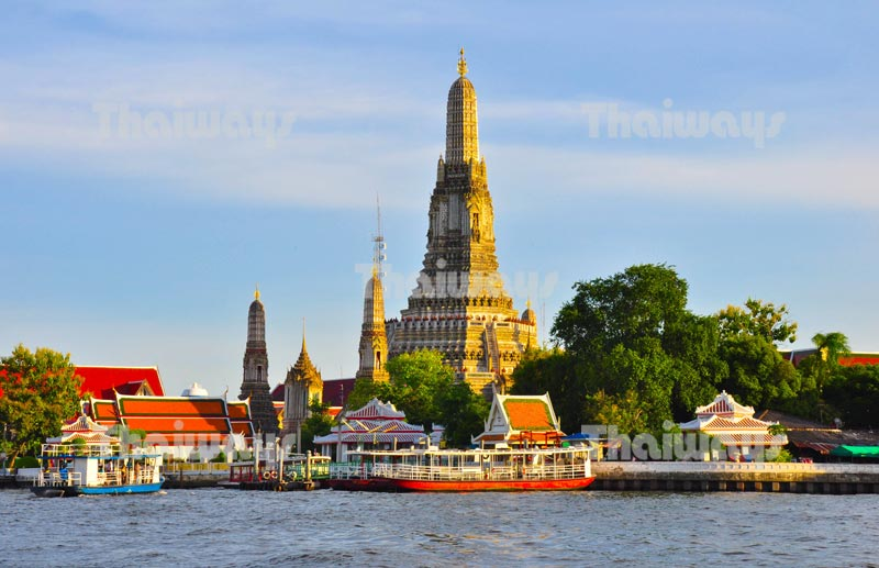 Temple of Dawn or Wat Arun